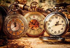 Картинки Циферблат Часы Карманные часы Крупным планом Три