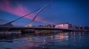 Обои для рабочего стола Вечер Мосты Пристань Дублин Ирландия Samuel Beckett Bridge Города