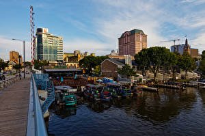 Обои Здания Речка Пирсы Лодки Штаты Wisconsin, Milwaukee River город