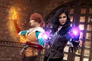 Картинки Волшебство Ведьмак 3: Дикая Охота 2 Рыжие Брюнетки Рука Косплей Yennefer, Triss, Kristina Borodkina девушка