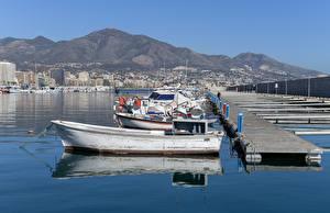 Картинки Пирсы Лодки Испания Катера Fuengirola Harbour Города