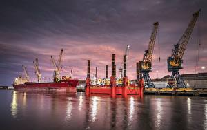 Картинка Корабль Англия Sunderland, Tyne and Wear, port, cranes Города