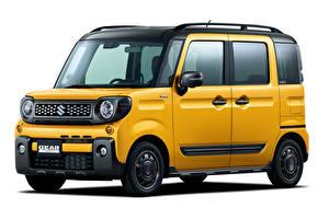 Обои Suzuki Белый фон Минивэн Желтый 2018-19 Spacia Gear авто