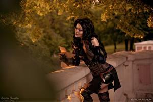 Фотография Ведьмак 3: Дикая Охота Брюнетки Косплей Перчатках Yennefer, Kristina Borodkina девушка