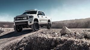Картинки Тойота Пикап кузов Белая Tundra 2019