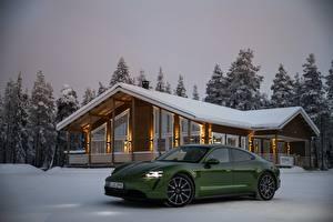 Картинка Зимние Порше Снега Зеленая Металлик 2020, Taycan 4S авто