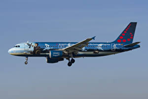 Фотография Самолеты Эйрбас Пассажирские Самолеты Сбоку Brussels Airlines, A320-200 Авиация