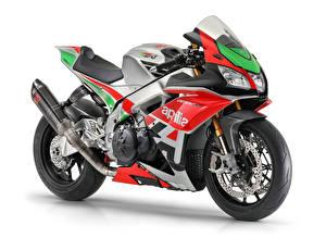 Картинка Априлла Стайлинг Белом фоне 2018 RSV4 FW-GP мотоцикл