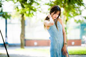 Обои Азиатки Боке Позирует Платья Рука девушка