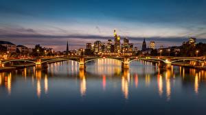 Обои Мост Вечер Речка Германия Франкфурт-на-Майне город