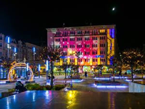 Фотография Рождество Польша Здания Городской площади Ночные Электрическая гирлянда Улице Katowice город