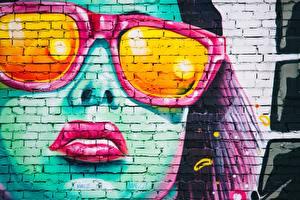 Фотографии Граффити Стенка Лица Очков Красными губами Из кирпича девушка