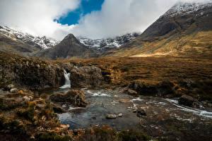 Обои для рабочего стола Гора Камень Речка Шотландия Облачно Fairy Pools Природа