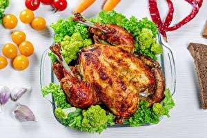 Обои Курица запеченная Брокколи Продукты питания
