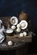 Обои Сладости Кокосы Конфеты Шарики Продукты питания