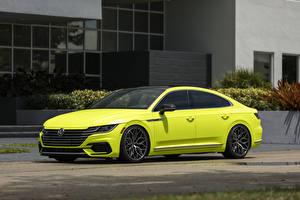 Фотографии Фольксваген Сбоку Желтая Металлик Arteon R-Line Highlight Concept 2018 авто