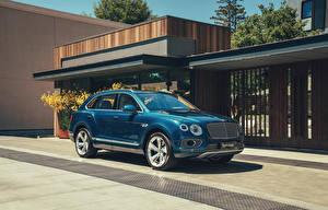 Фото Bentley Гибридный автомобиль Синий 2018-20 Bentayga Hybrid Worldwide Автомобили