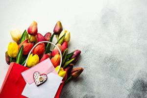 Обои Букеты Тюльпан День святого Валентина Бумажный пакет Шаблон поздравительной открытки Цветы