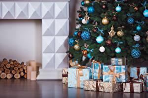 Фотографии Рождество Шарики Подарки Елка