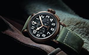 Картинка Часы Наручные часы Крупным планом Zenith Pilot Type 20 Extra Special Chronograph