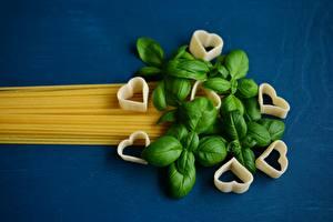 Обои Цветной фон Макароны Лист Базилик душистый Сердце Еда