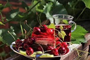 Картинка Десерт Ягоды Черешня Тарелка Кружки Лист Еда