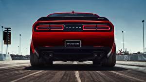 Обои для рабочего стола Додж Вид сзади Красная 2018 Challenger SRT Demon авто