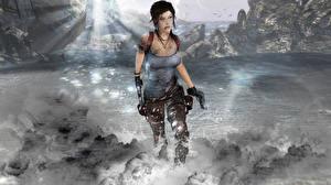 Обои Tomb Raider Пистолет Лара Крофт компьютерная игра Девушки