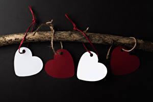 Картинки День всех влюблённых Серый фон Шаблон поздравительной открытки Ветки Серце