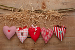 Картинка День всех влюблённых Доски Соломе Сердечко Ветвь Бантики