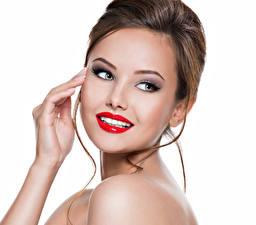 Картинки Белом фоне Шатенки Лицо Красные губы Руки Смотрит Девушки