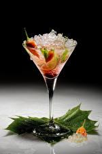 Картинки Алкогольные напитки Острый перец чили Коктейль Бокал Льда Пища