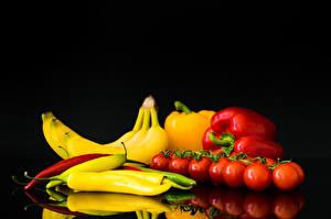 Фотография Перец овощной Бананы Помидоры Острый перец чили Еда