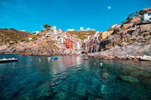 Фото Лодки Италия Здания Скалы Riomaggiore, La Spezia Города
