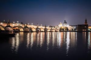 Фотографии Карлов мост Прага Чехия Речка Мост Ночь Vltava river Города