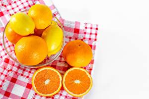 Фото Цитрусовые Лимоны Апельсин Мандарины Белом фоне Пища
