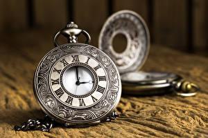 Фотография Часы Карманные часы Вблизи