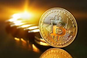 Обои Монеты Bitcoin Золотой Города картинки
