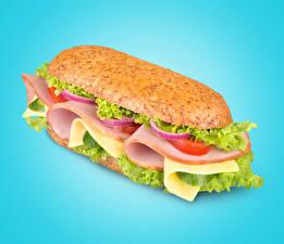 Фотография Фастфуд Сэндвич Колбаса Овощи Цветной фон Продукты питания