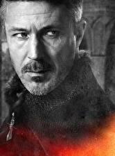 Обои для рабочего стола Игра престолов (телесериал) Мужчина Вблизи Лица Petyr Baelish (Littlefinger) кино Знаменитости