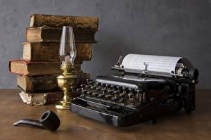 Обои Керосиновая лампа Книга Стол Tobacco pipe, Typewriter