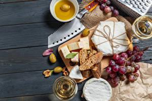 Обои Ножик Хлеб Сыры Вино Виноград Оливки Доски Разделочной доске Бокал Пища