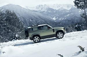 Картинки Range Rover Зима SUV Сбоку 2020 Defender 90 D240 SE Urban Pack Worldwide Автомобили