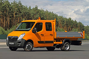 Картинка Опель Грузовики Оранжевая 2010-20 Movano Double Cab Chassis авто