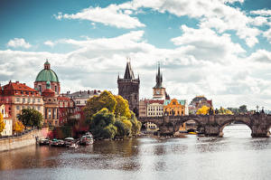 Картинки Прага Чехия Мосты Речка Осень Карлов мост город