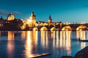 Фотографии Речка Мосты Прага Чехия Карлов мост Вечер Vltava river Города