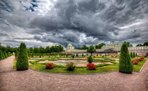 Обои Россия Санкт-Петербург Парки Роза Дворец Дизайн Газон Кусты HDRI Oranienbaum Palace Lomonosov Природа