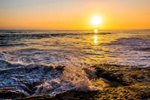 Фотография Море Рассветы и закаты Волны Солнца