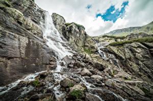 Обои для рабочего стола Словакия Водопады Камень Гора Утес Waterfall Skok, Tatra mountains Природа
