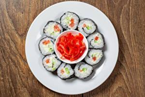 Обои для рабочего стола Суси Рыба Имбирь Тарелке Продукты питания